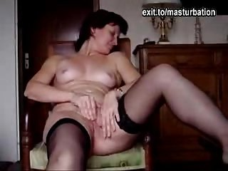 Angie 40 maturbating and cumming 3 times