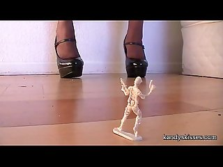 Giantess shoe stomp
