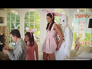 Mom caught chum S daughter Hd uncle fuck bunny