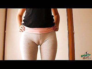 Big cameltoe teen in yoga pants stretching and working out