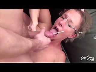 Sophie milf gros seins aime la Sodomie