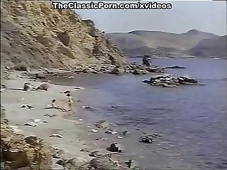 Classic porn for sexy Girl on The seashore