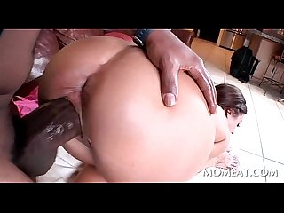 Big ass hooker takes black fat dick for a hump