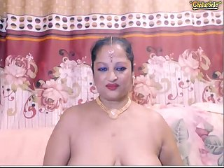 Indian Aunty bodding
