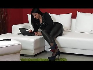 Sofia cucci Squirting school 3