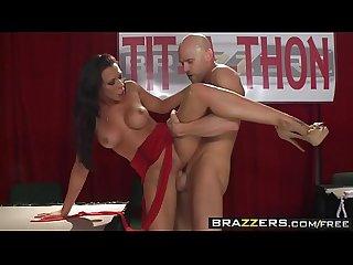 (Rachel Starr) uses her big tits to help use money - Brazzers