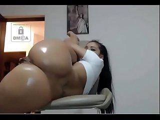 Xxxhotcams xyz thick ass lightskin bitch fucks her wet pussy hard with a dildo