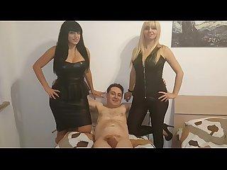 Andrea Dipr� tenta di scopare due Mistress (Kelly e Lara Von Lush)