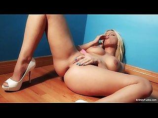 Britney Amber Blue Wall Masturbation