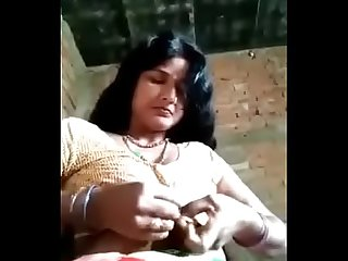 Desi hot bihari Bhabhi making video for boyfriend and speak in bhojpuri