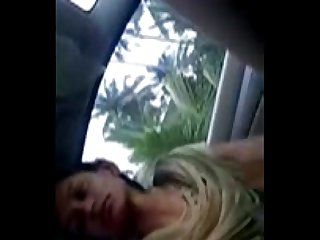 Babe blowjob hard in car