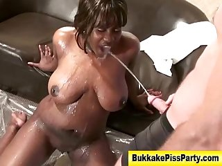 Bukkake slut fuck piss and cum facial