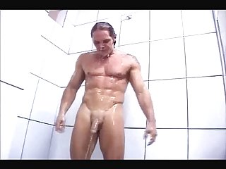 Nacho in shower