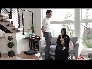 MILF Has Busty Tits Underneath Her Hijab- Kylie Kingston