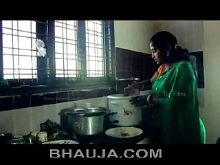 Tamil Aunty seduced and got naked by beger hot Romance bhauja com