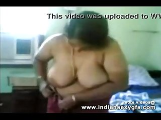 Busty indian Mallu Aunty boobs show while changing of dress indiansexygfs period com