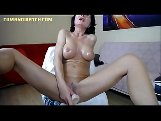 Mature mom squirts on cam