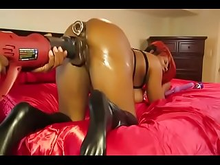 Slutsoe period com vicki cam show live with fuck machine
