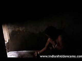 Desi Indian Aunty Sweta Homemade Shower - IndianHiddenCams.com