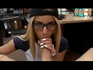 Hot babe in glasses nailed by pawn dude