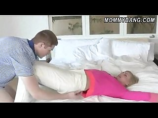 Darryl hanah teaches a guy how to satisfy his girlfriend