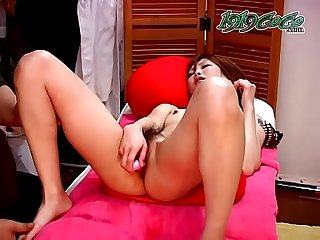 Cute Asian gets an erotic Massage