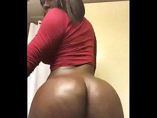 Super bad ebony tgirl dancing
