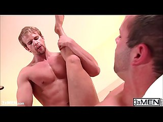 Muscled pornstar luke adams fucking his stepbro cameron foster deep in the ass