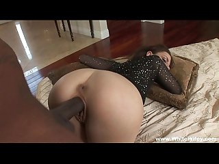 Latina milf experiments with bbc