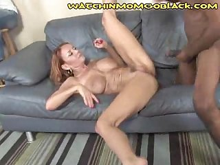 Milf pussy pumping