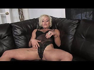 Muscular Babe Denise Plays With Her Big Clit