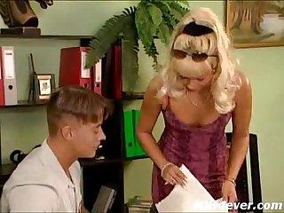 Mature sonya likes anal sex