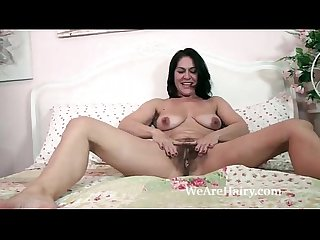 YouPorn - the-sexy-and-mature-milf-kaysy-strips-in-bed
