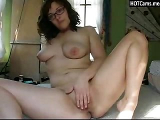 Chat Adult Huge Boobs Brunette With Glasses Masturbating