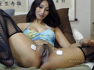 Asian mom pussy closeup