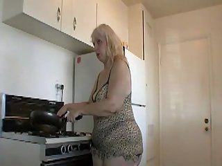 Bbw shows how she runs her household in lingerie