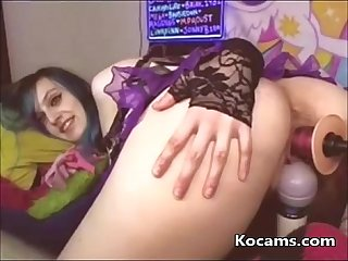 Solo slut stimulates her Ass and pussy with toy