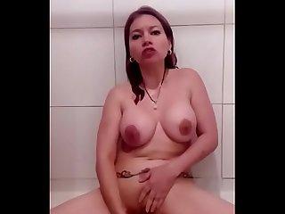 Marlen doll masturbacion ducha 1