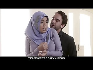 Teensloveanal analyzing girl in hijab