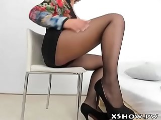 Hot gorgeous babe masturbation on live cam