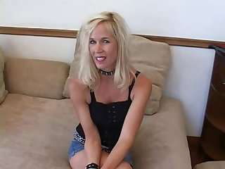 Sexy blonde milf has fun