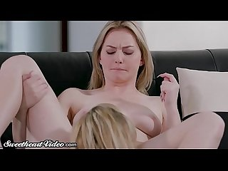 Sweetheart MILF Julia Ann Eats Out Young Lesbian & Facesits