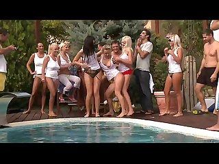 Geile Sexy Poolparty mit Pornostars - deustch gerrman