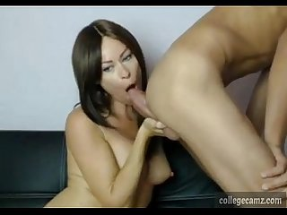 smoking hot babe gives boyfriend amazing blowjob live on collegecamz.com