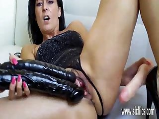 Hot milf stuffs her pussy with three dildos