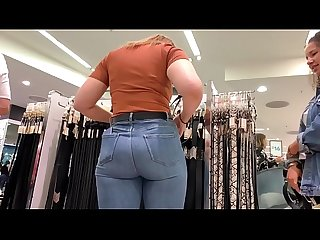 Cheeky thick pawg ass in jeans