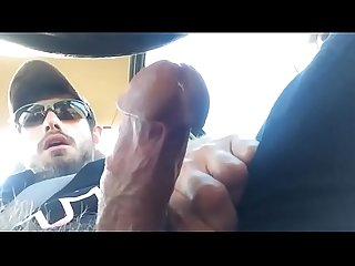 Hairy man jerk off in car peludo Masturbandose