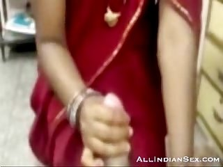 Hot Desi amateur giving a hard cocksuck