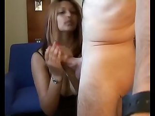 BRITISH INDIAN STUDENT GIVES A REAL NICE HANDJOB