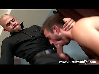 Horny muscle gets his cock sucked by hungry hottie